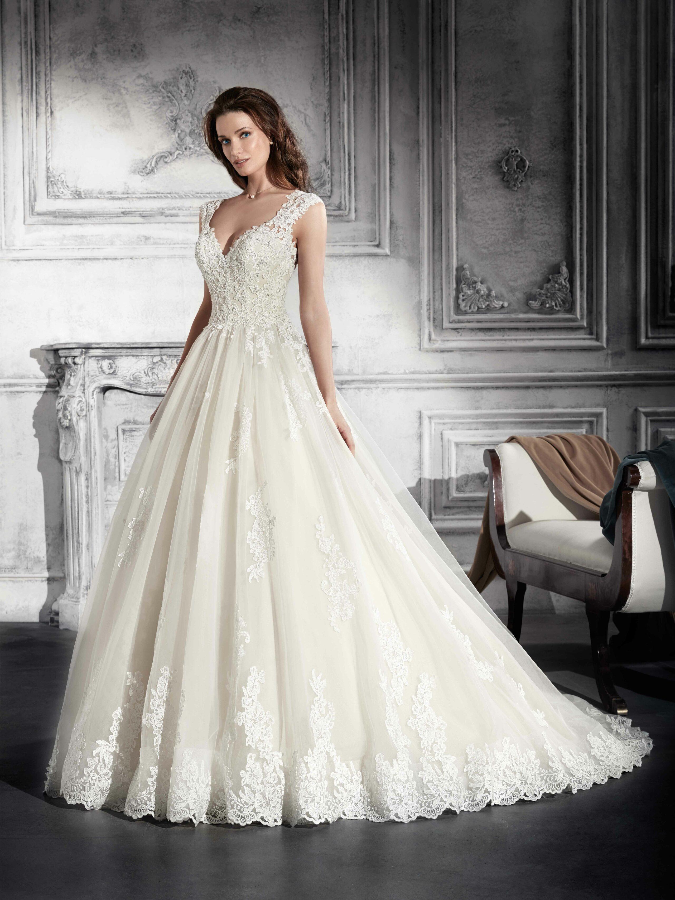 Lyne mariage cannes robes de mari e robes cocktail for Nettoyage de robe de mariage milwaukee