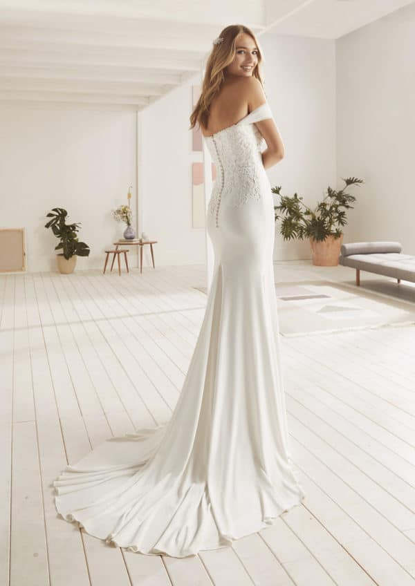 Robe-de-mariee-White-One-OCTA-C