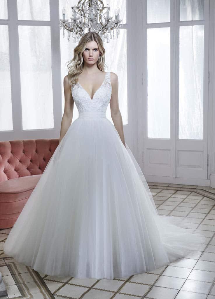 Robe de mariée Divina Sposa modèle 202-33 − Lyne Mariage