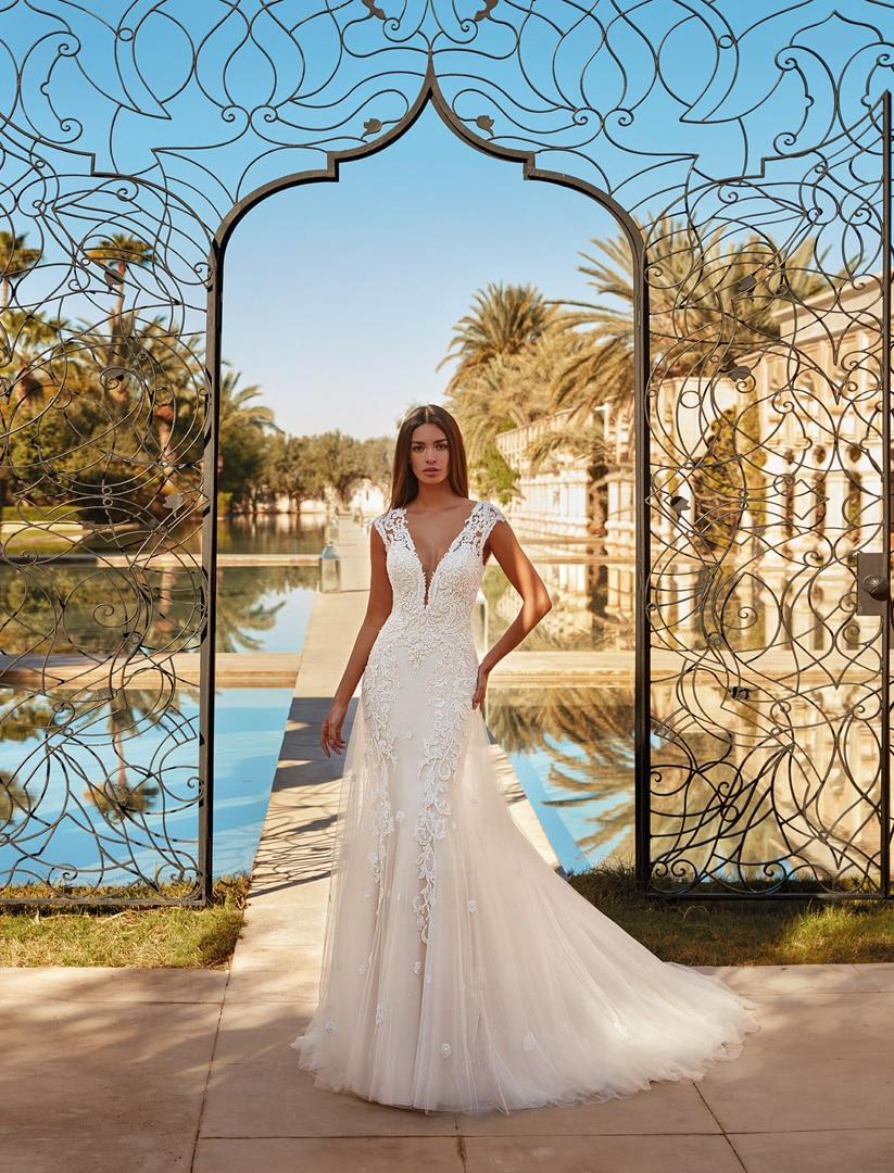 Robe de mariée Demetrios modèle 1076 − Lyne Mariage