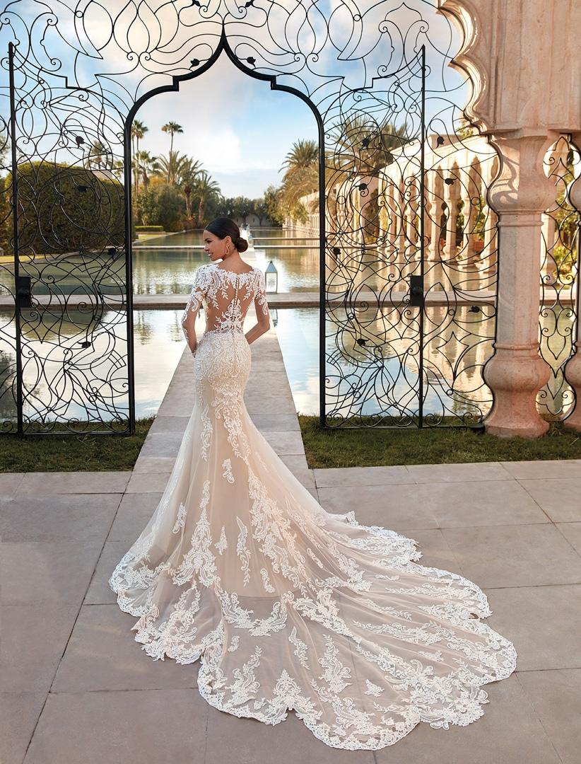 Robe de mariée Demetrios modèle 1110 − Lyne Mariage