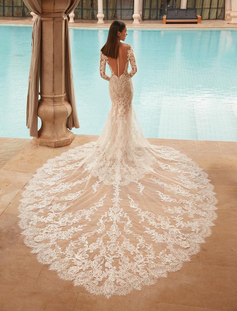 Robe de mariée Demetrios modèle 1117 − Lyne Mariage