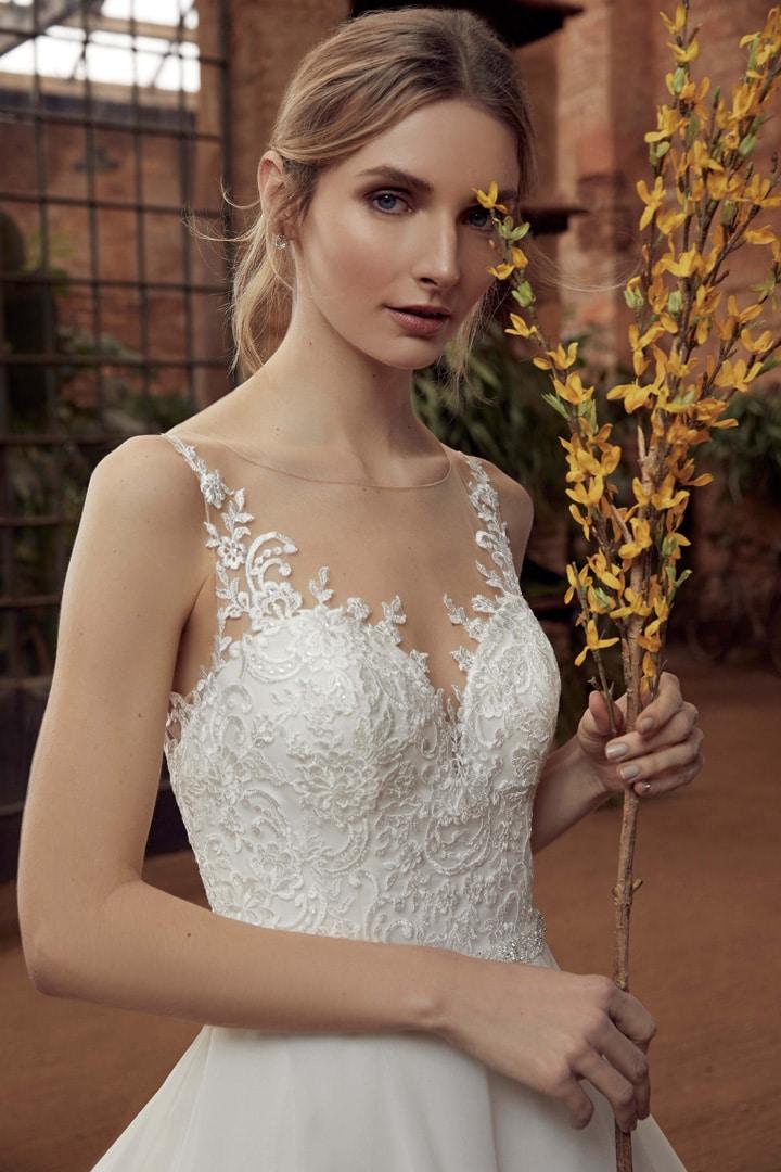 Robe de mariée Miss Kelly modèle 21141 − Lyne Mariage